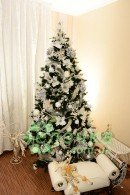 WHITE ROSE Cristmass tree 8